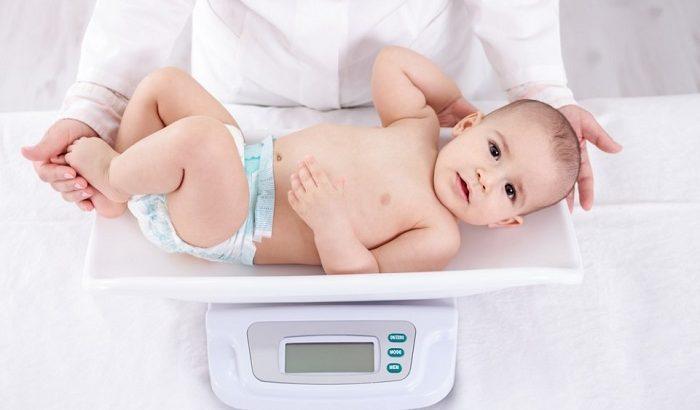 چه مواد غذایی برای وزن گیری نوزاد مناسب است؟